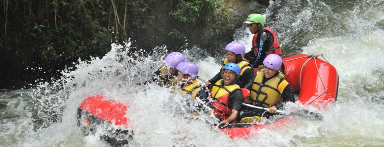 Outbound Rafting Arung Jeram