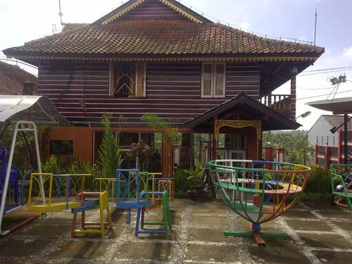 penginapan_outbound_villa_cileunca_3