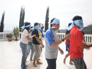permainan-outbound-blind-leader-2