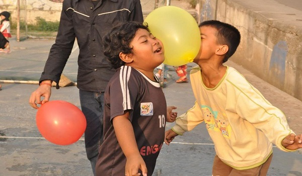 Permainan Outbound Anak Joget Balon