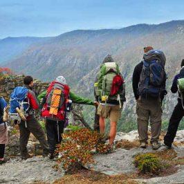Tips Mendaki di Musim Kemarau, Jangan Pakai Sandal Jepit!